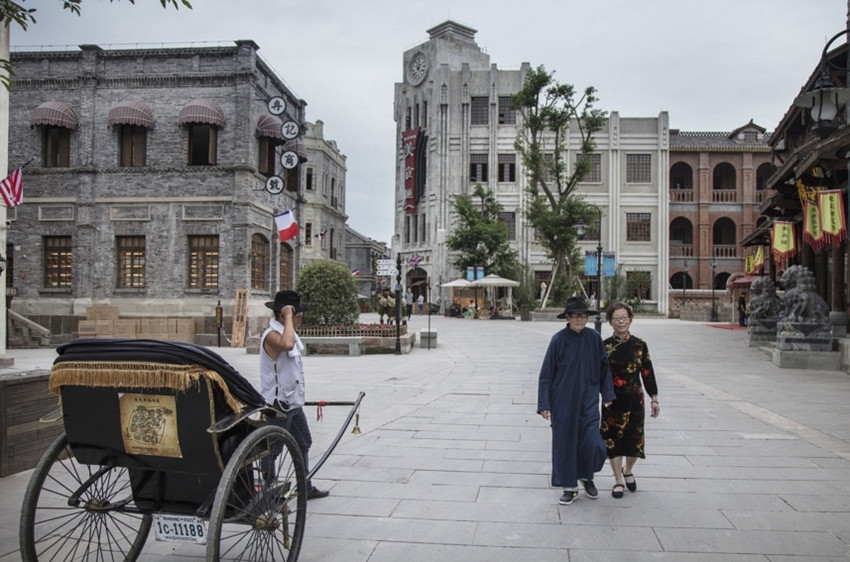 make-your-own-life-a-movie-in-the-liangjiang-movie-city-1