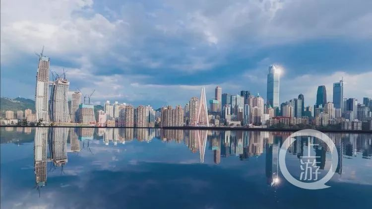chongqing-a-magnificent-city-standing-above-the-water-3