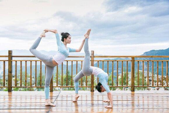 wushan-outdoor-yoga-base-brings-harmony-between-human-and-nature-2